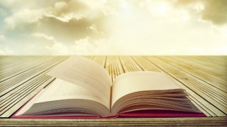 9 Best Books to Spark Your Spiritual Enlightenment