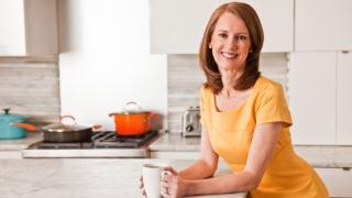 Gretchen Rubin in the kitchen