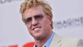 Actor Jake Busey likes being a good neighbor.