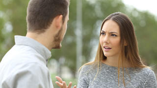 Woman complaining to her boyfriend.