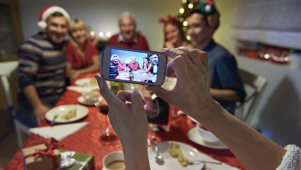 7 Expert Tips to Survive the Holidays With Your Dysfunctional Family