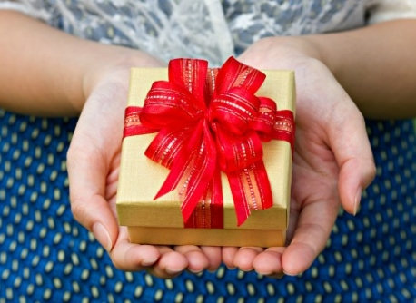 Person holding a present